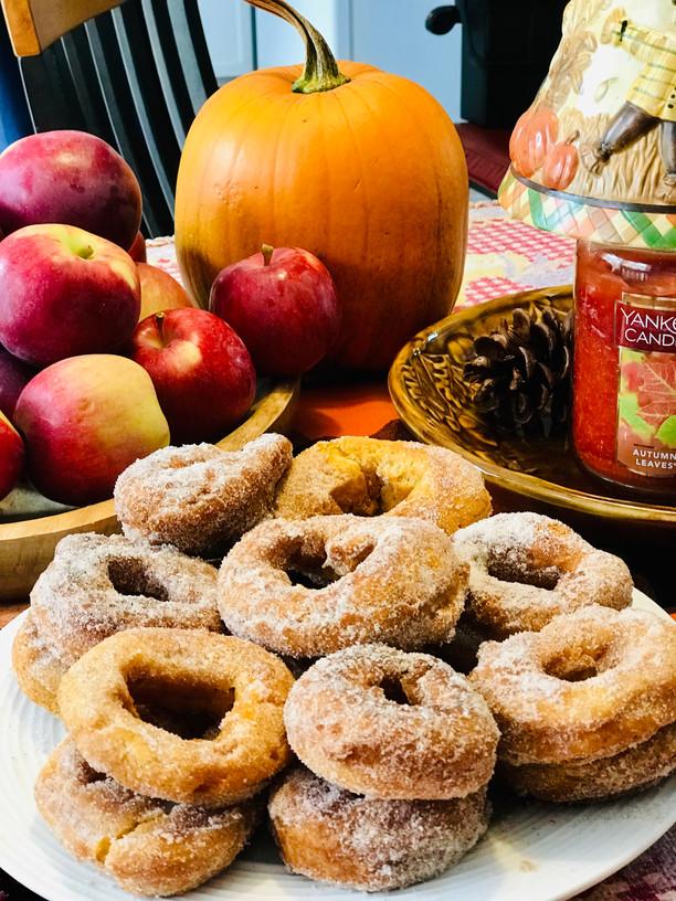 * Pumpkin Cake Donuts *