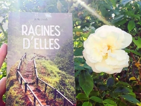 "Racines d'Elles par la blogueuse littéraire Alix, blog""La Galacthèque"""