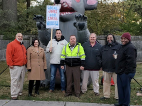 Local Trades protest Metroparks Toledo's use of taxpayer dollars for out-of-area contractors