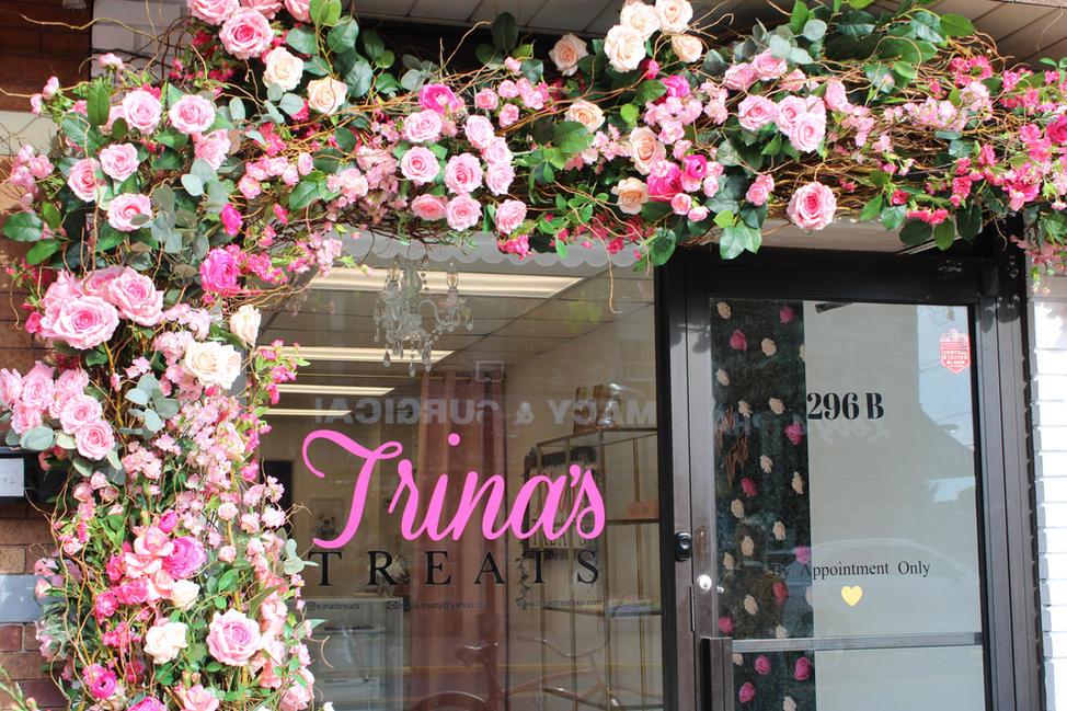 Floral flash for Trina's Treats.JPG