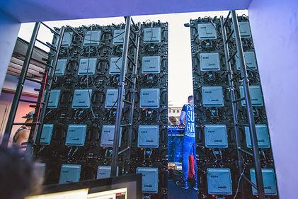 backwallsplitrio.jpg