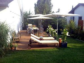 Terrasse bestuhlt 3.jpg