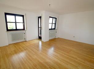 Wohn-Essbereich 2.jpg