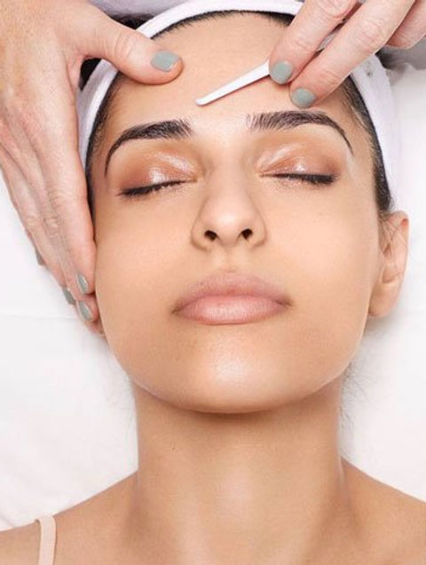 DERMAPLANING WITH PEPTIDE MASK