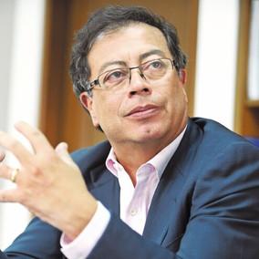 El senador Gustavo Petro padecería cáncer.