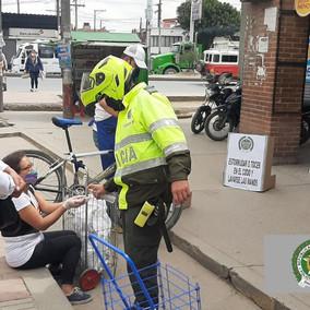 Policía adelanta campañas en vía pública de Soacha