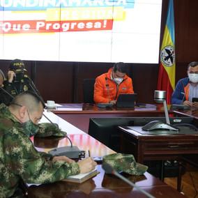 Gobernador de Cundinamarca decreta toque de queda para menores de edad.