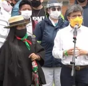 Claudia López arremetió contra el uribismo