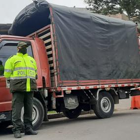 La policía de Soacha recuperó un camión robado en Bogotá