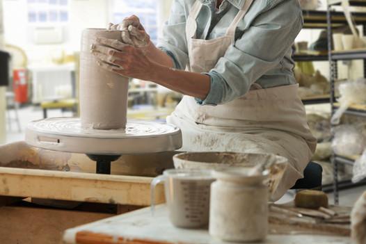 Wokring på en Pottery Wheel