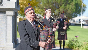 ANZAC DAY: PIPERS PREPARING WITH AMAZING GRACE