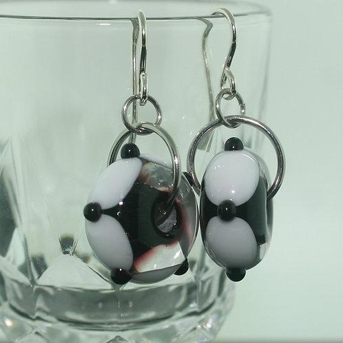 Earrings - Black & White - short -donut shape 1460