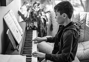 piano-lesson-4622218-6.jpg