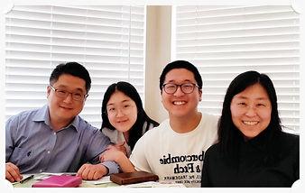 정유성 목사 가족사진1.jpg