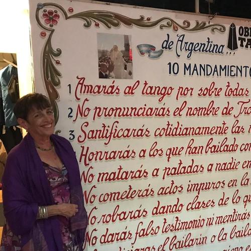 "Donna's ""A la carte"" visit to a milonga."