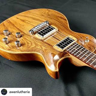 Awen Luthierie Insta 1.JPG