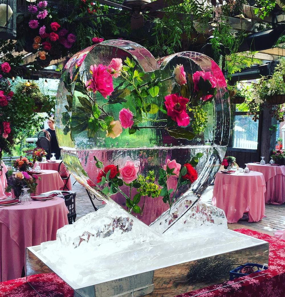 1m x 1m Floral Heart Sculpture