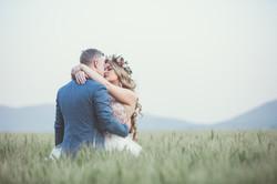 man-and-woman-kissing-1491282.jpg