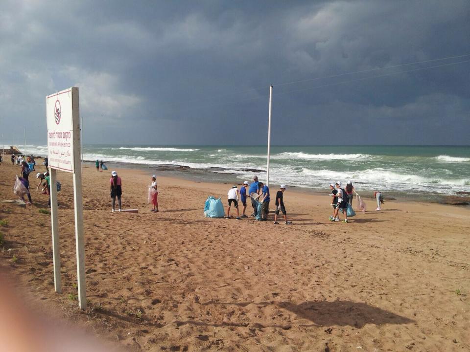 פעילות בקהילה - ניקיון חופים