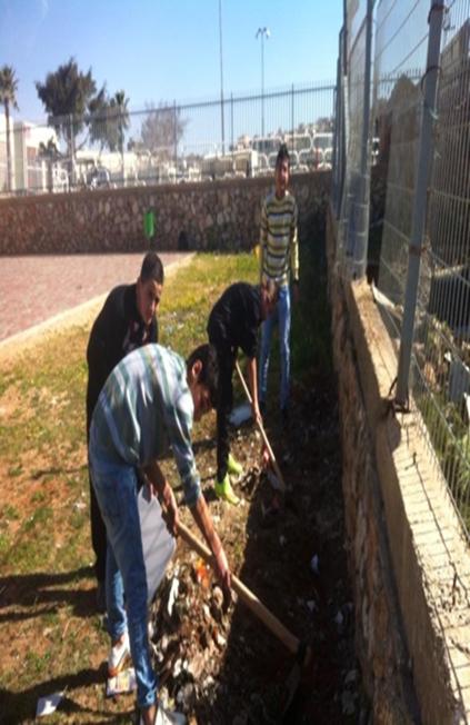 נוטעים עצים וצמחיה חסכנית במים