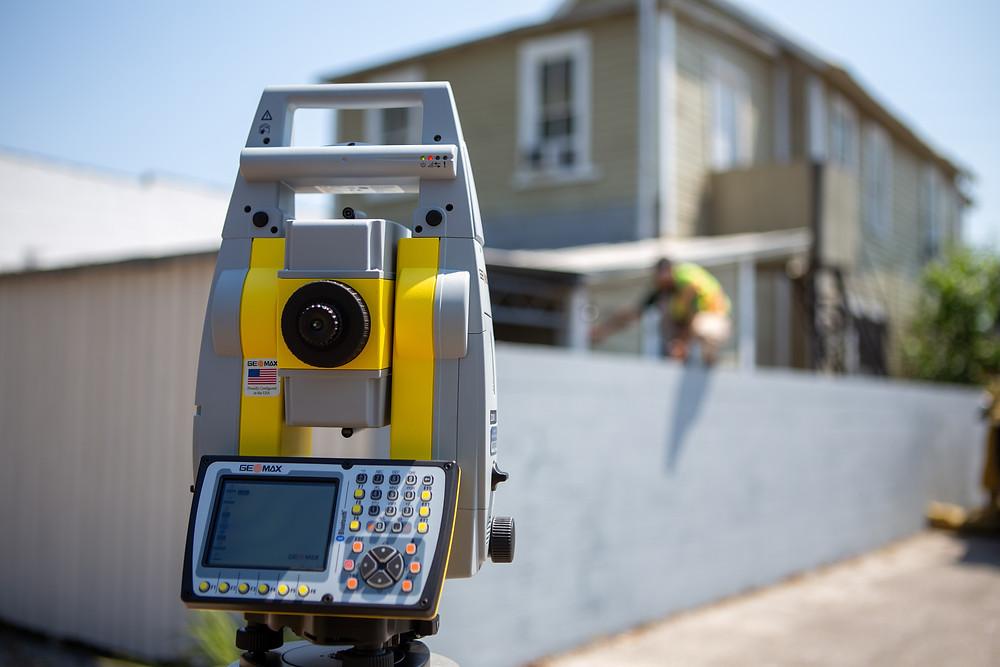 surveying robot