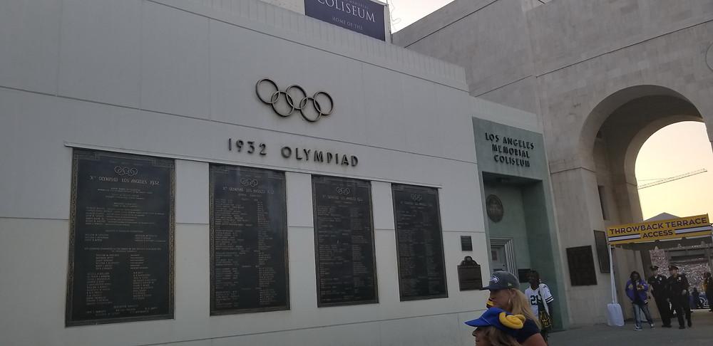 Stadium Review of Los Angeles Memorial Coliseum