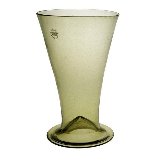 Beer glass with kick up bottom