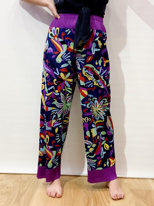Pleats Please - Pantalon bleu imprimé