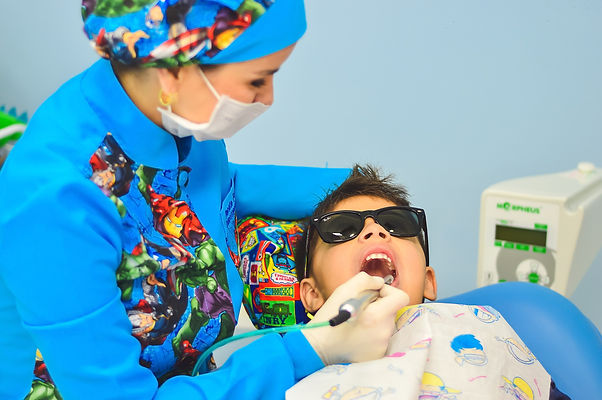 dentist-1437430_1920.jpg