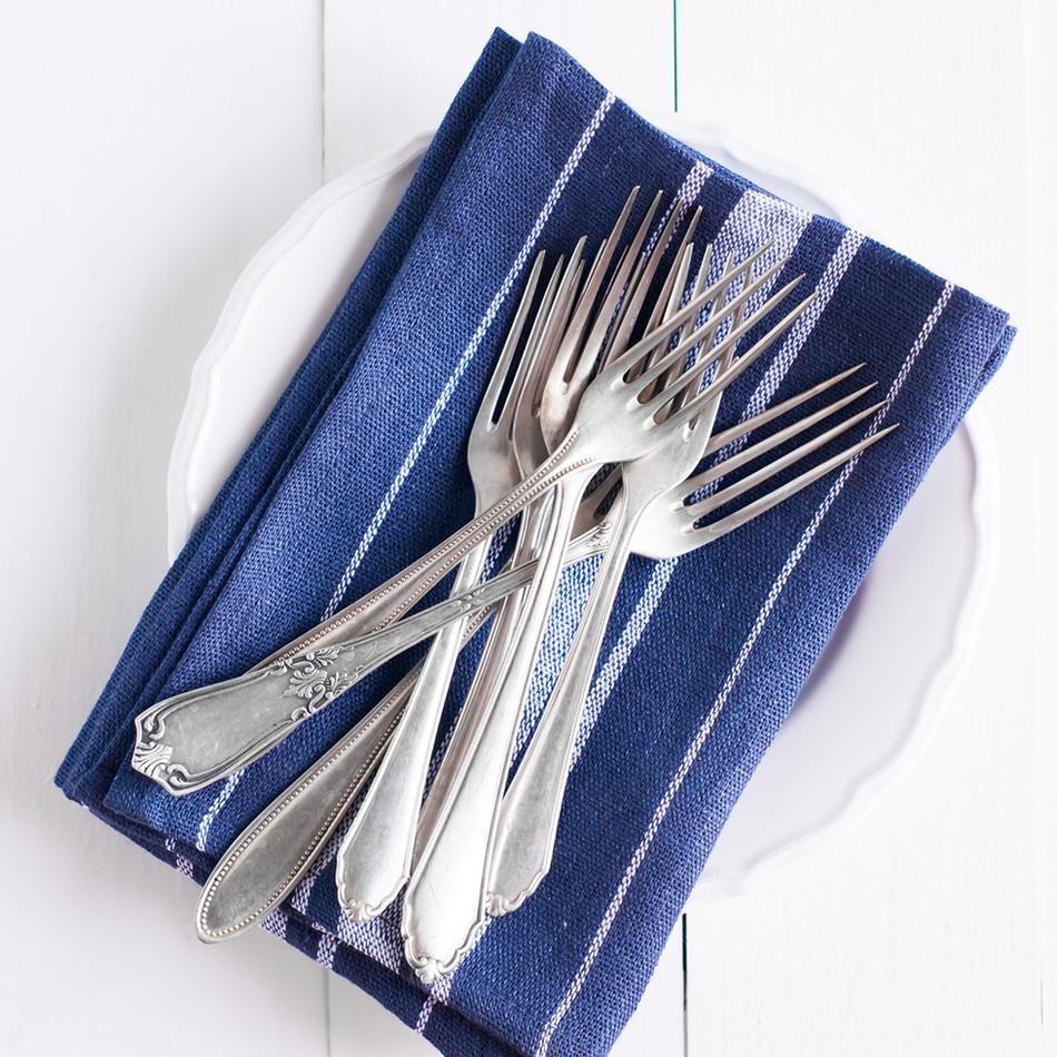 Desserttallrikar och gafflar
