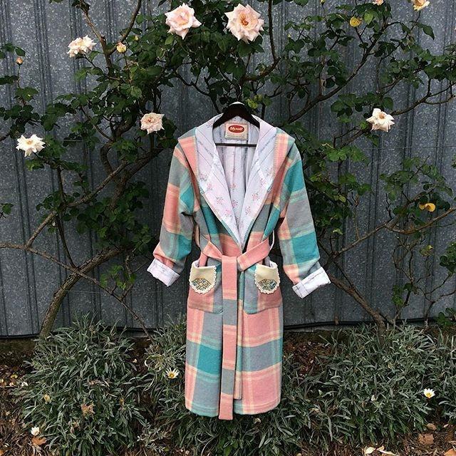 Ladies wool dressing gown