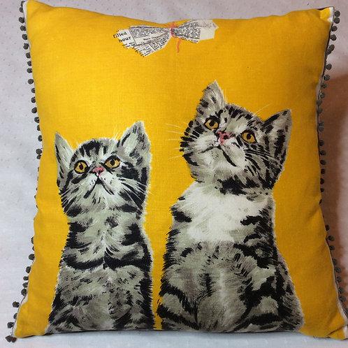 Curious Tabby Linen Cushion