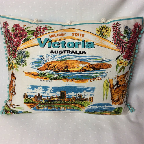 Victoria Holiday State Cushion