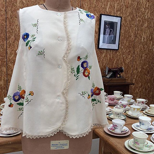 Swing Embroidered Top