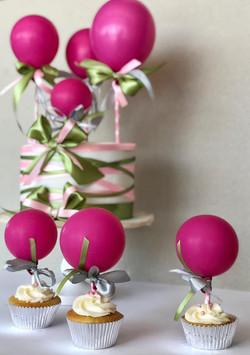 pink ballons cupcakes