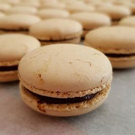 macaron chocolat noir café