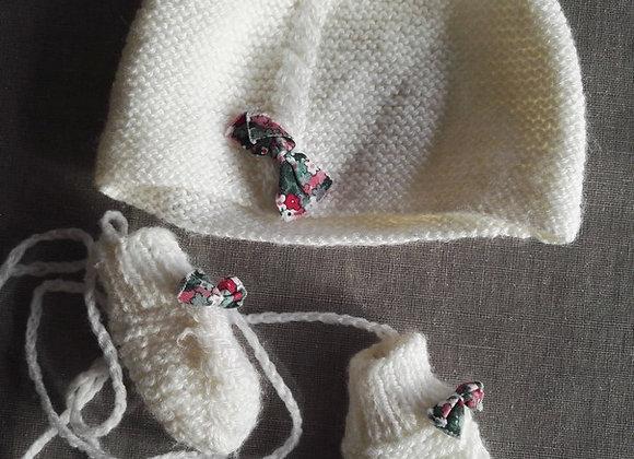 Ensemble Bonnet & moufle naissance tricoté main