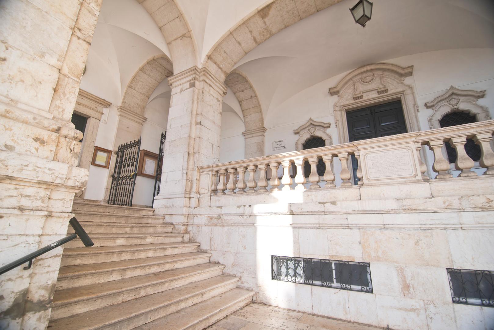 escada galeria acesso igreja penha de frança