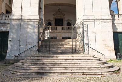 escadas acesso igreja penha de frança