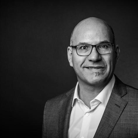 DANIEL ZOBRIST Geschäftsführer  daniel.zobrist@makoli.ch