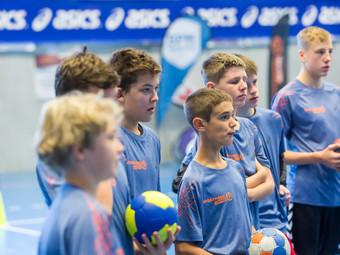 Stargast Andy Schmid im Sportheon Handballcamp