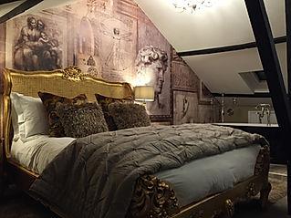 Castle keep bed n bath.jpg