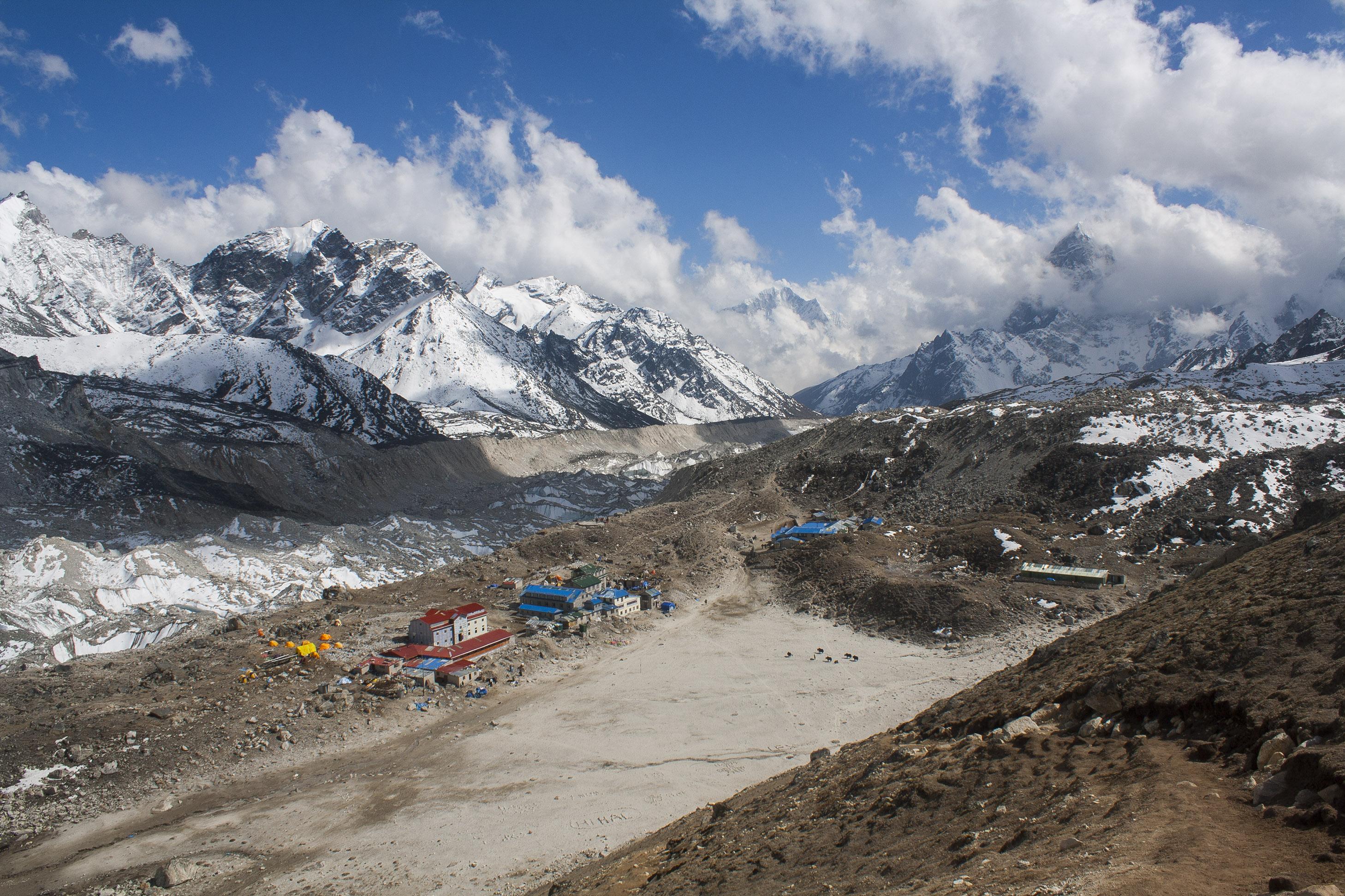 View_of_Gorakshep_from_Kala_Patthar