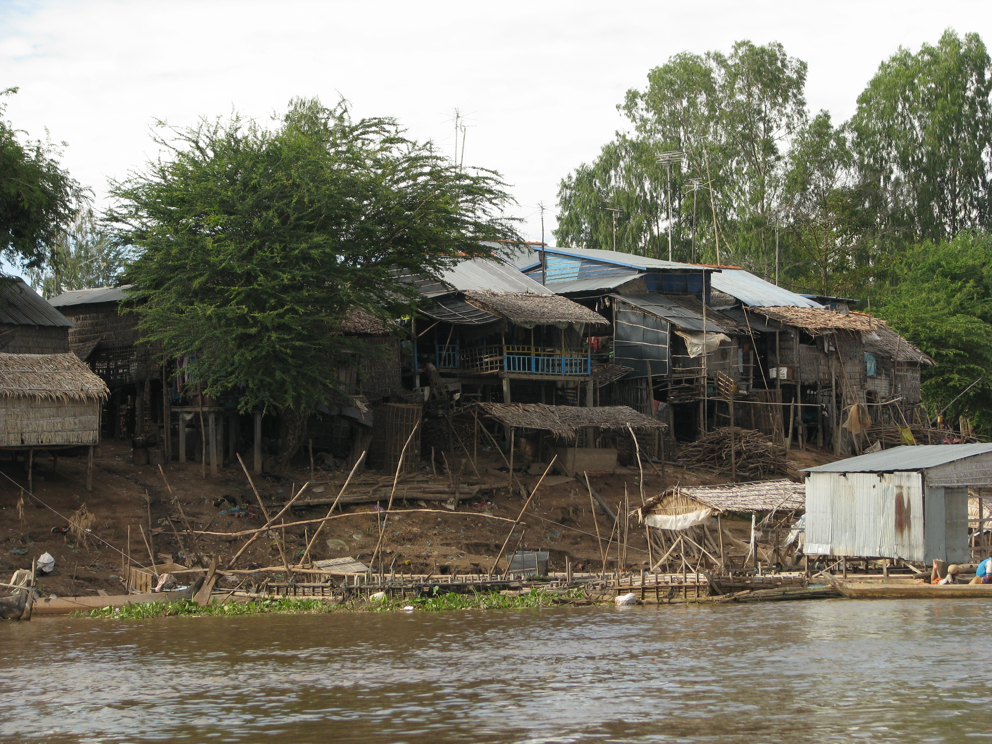 Cambodia_08_-_004_-_riverside_village_(3199480928)
