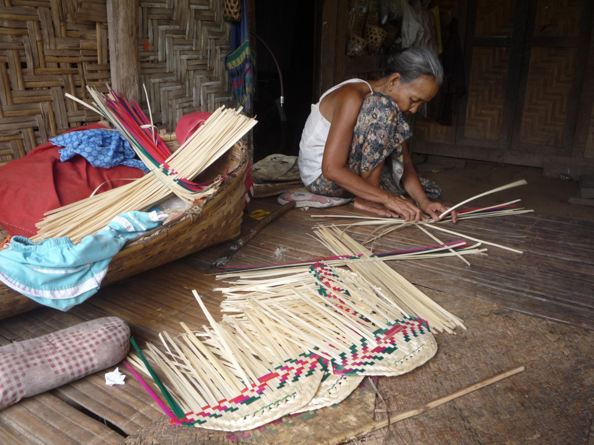 Bamboo fan making