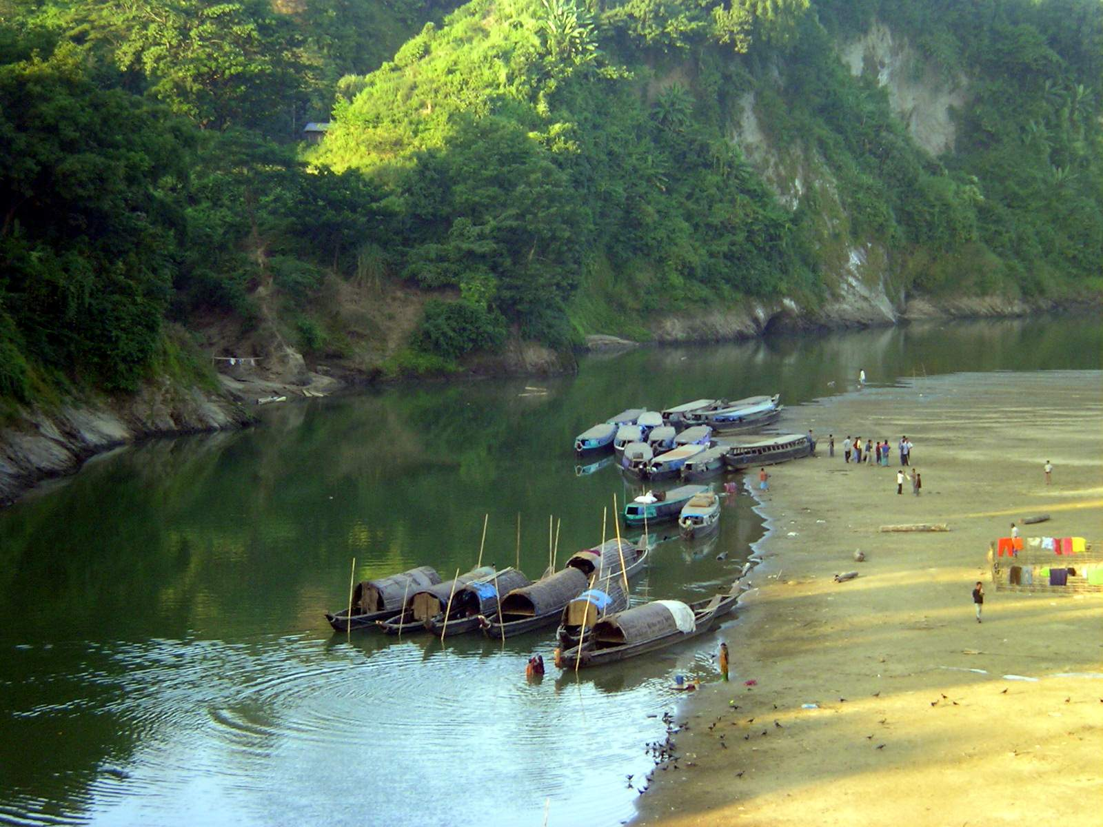 Sangu_River_from_Bandarban_Town,_18_Nov,_2004