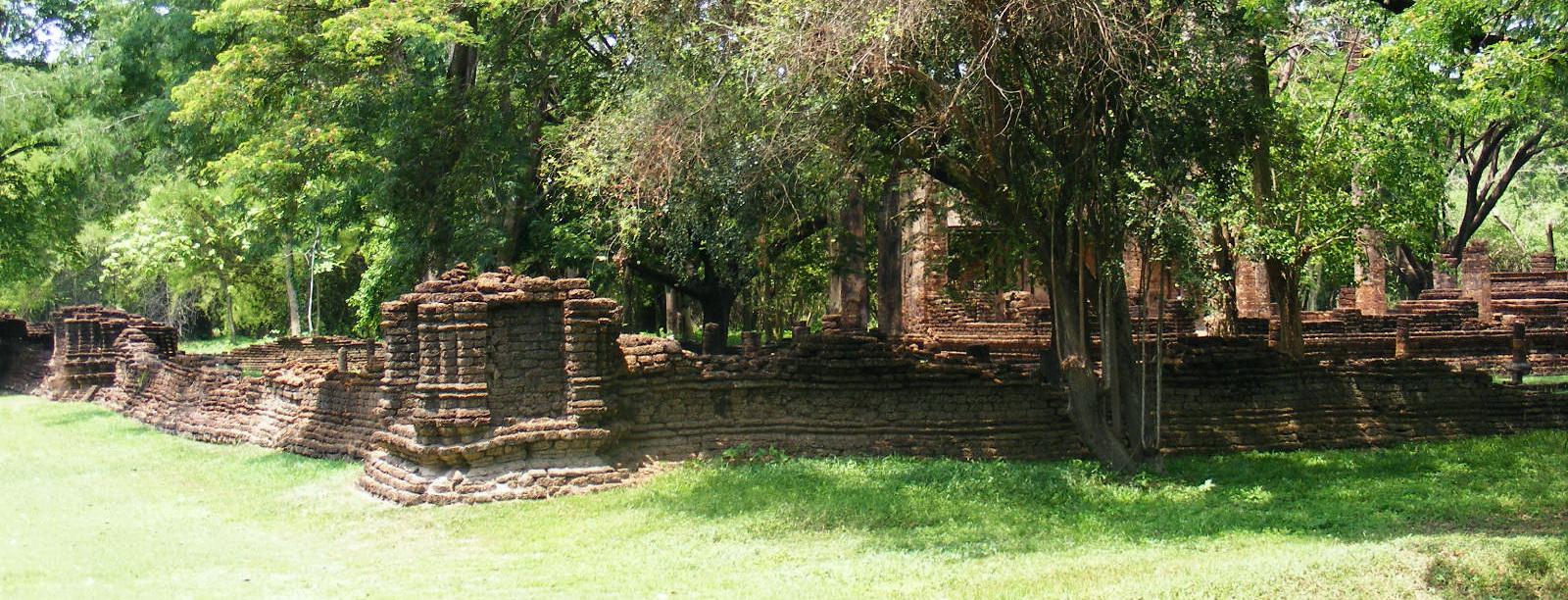 Wat_Nang_Paya_1-Si_Satchanalai_historical_park
