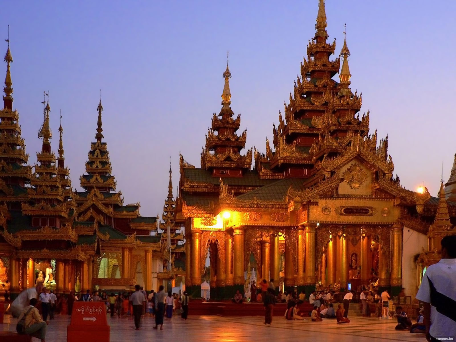 shwedagon-pagoda-yangon-mianmar2