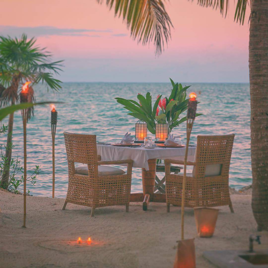 Romantic_Beach_Dinner