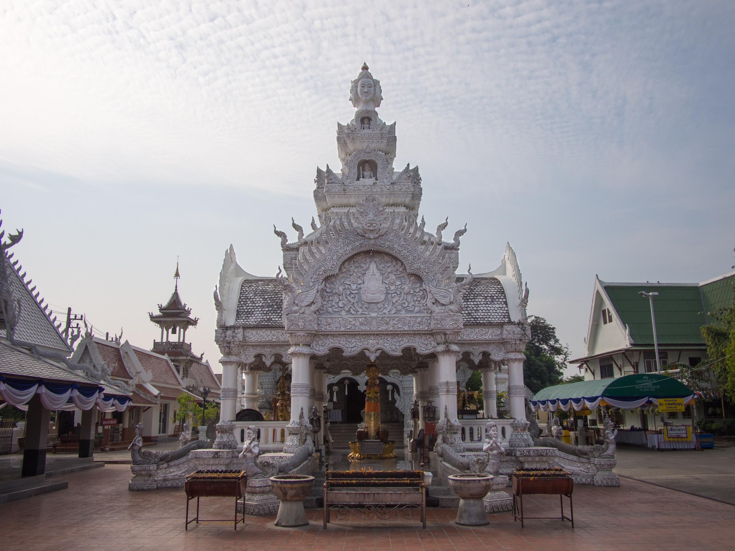 Wat_Ming_Mueang_Nan_02